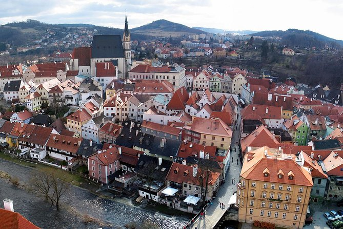 Private one way transfer from Linz to Cesky Krumlov