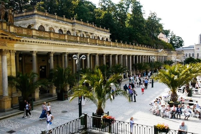 Private one way transfer from Cesky Krumlov to Karlovy Vary
