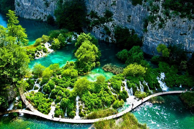 Plitvice Lakes Private Guided Tour from Zagreb with Transfer to Pula
