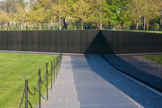 Private Tour of Washington DC War Memorials and Heros by Van