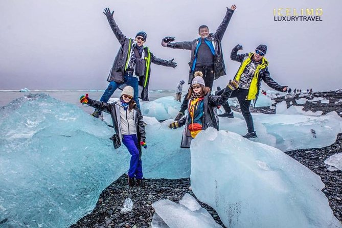 Experience Jokulsarlon Glacier lagoon with your luxury car and guide photo 1