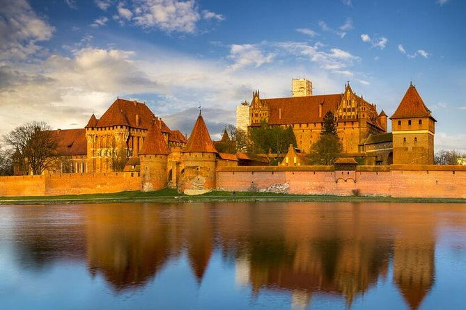 Private Transportation to Malbork Castle 5-Hour