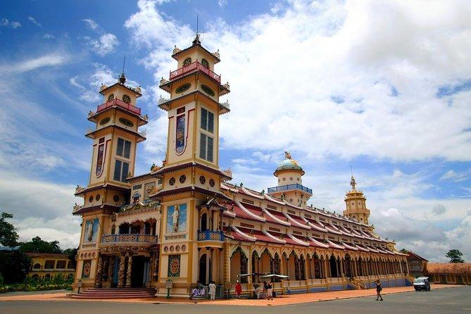 Private Day Tour Cu Chi Tunnels & Cao Dai Temple