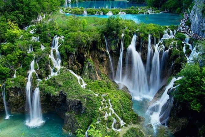 PRIVATE TRANSFER: From Zagreb to Split with Plitvice Lakes tour