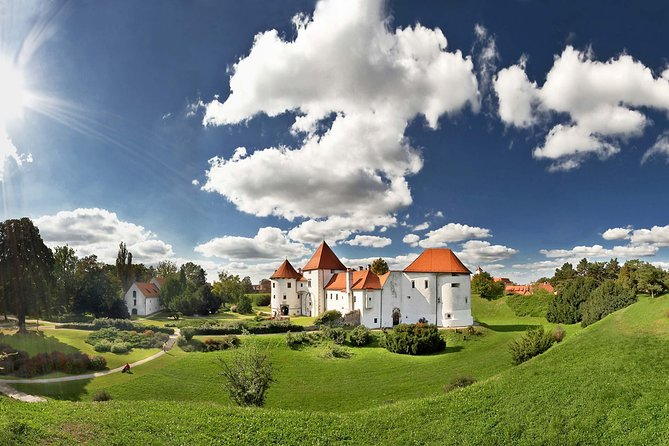 Trakoscan Castle and Varazdin city Day trip from Plitvice Lakes with transfer to Zagreb