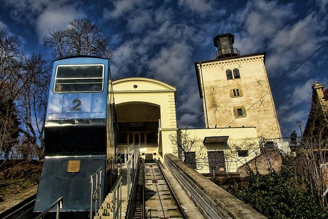 Visite guidée privée des lacs de Plitvice de Rijeka avec transfert à Zagreb