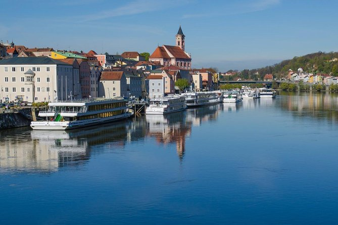Scenic transfer from Prague to Passau with 4 hours sightseeing in Cesky Krumlov