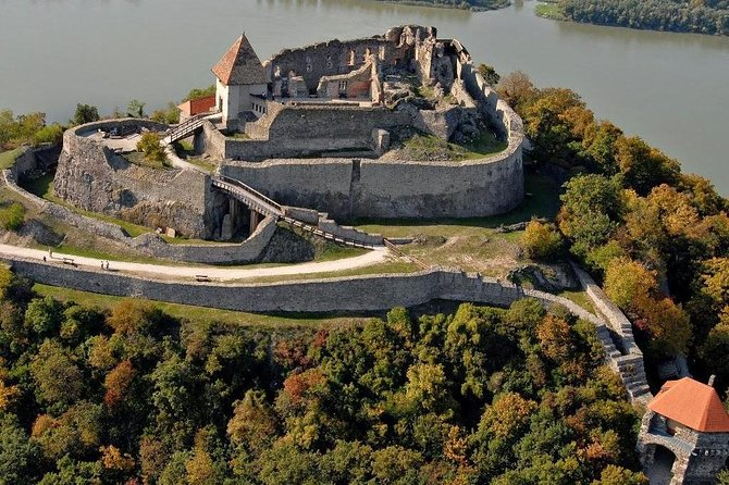 Visegrad Castle and Szentendre by the Danube private tour photo 1