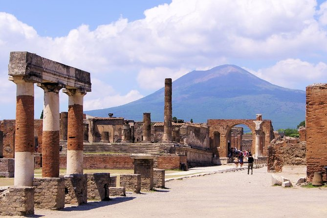 Pompeii and Vesuvius Full-Day Private Guided Tour From Amalfi Coast