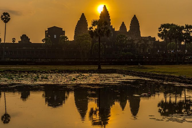 Siem Reap Private Tour: Angkor Wat Sunrise with Private Tour Guide