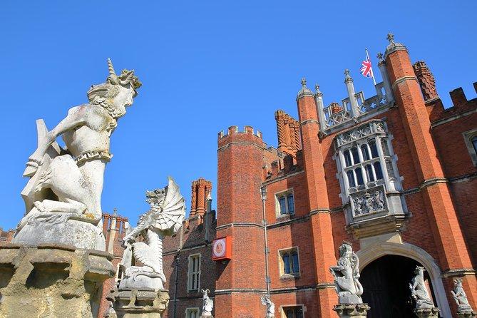 Private Tour Hampton Court Palace by Luxury Sedan