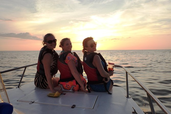 Private Sunset Getaway Cruise in Samara Beach