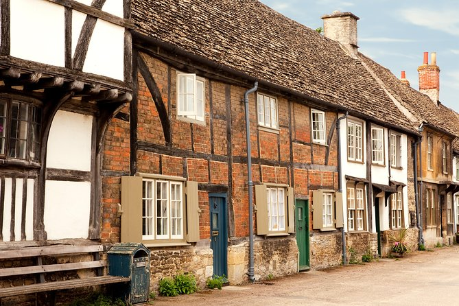 Bath, Avebury and Lacock Village Small-Group Day Tour from London
