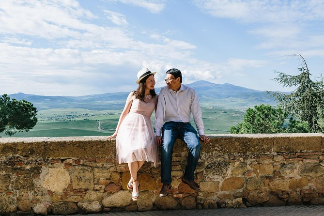 120 Minute Private Vacation Photography Session with Photographer in Tuscany
