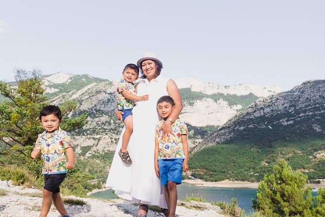 120 Minute Private Vacation Photography Session with Photographer in Provence