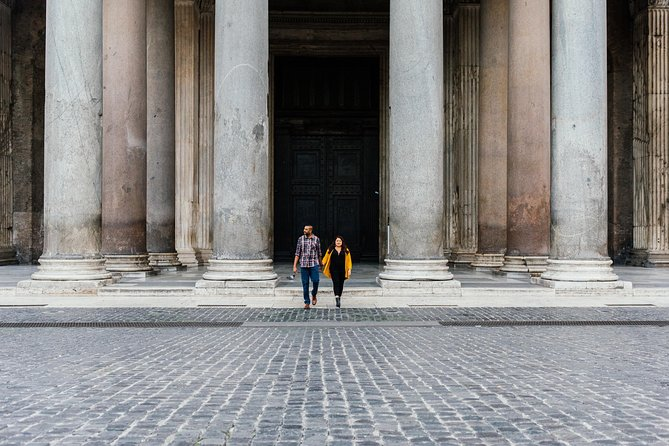 60 Minute Private Vacation Photography Session with Local Photographer in Rome