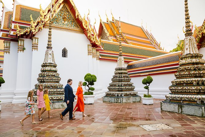 90 Minute Private Vacation Photography Session with Photographer in Bangkok