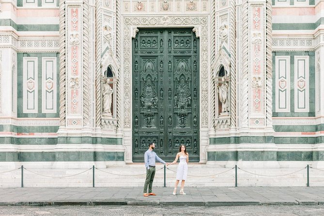 30 Minute Private Vacation Photography Session with Local Photographer in Florence