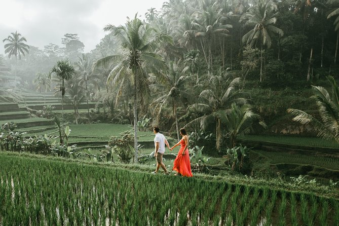 30 Minute Private Vacation Photography Session with Local Photographer in Bali