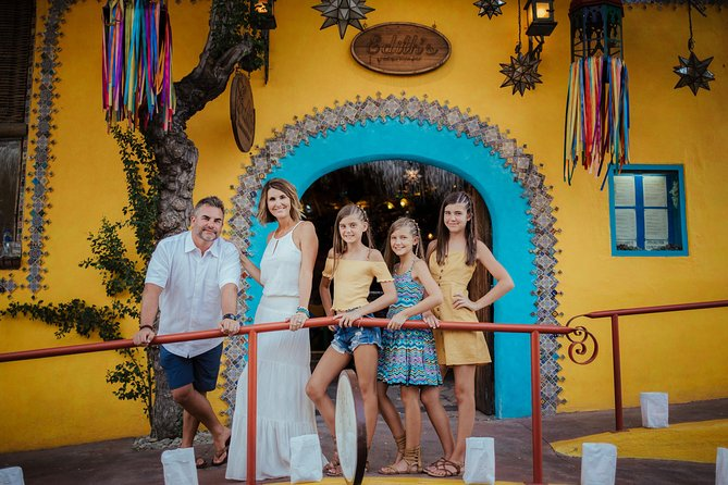90 Minute Private Vacation Photography Session with Local Photographer in Cabo San Lucas