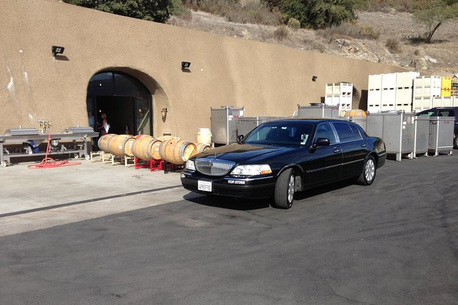 Private sedan Wine Country Tour of Napa Valley up to 4 people from Napa