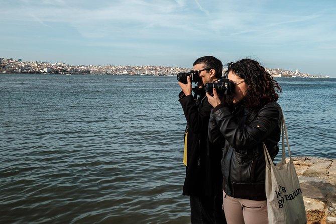 Discover Cacilhas with a Photographer