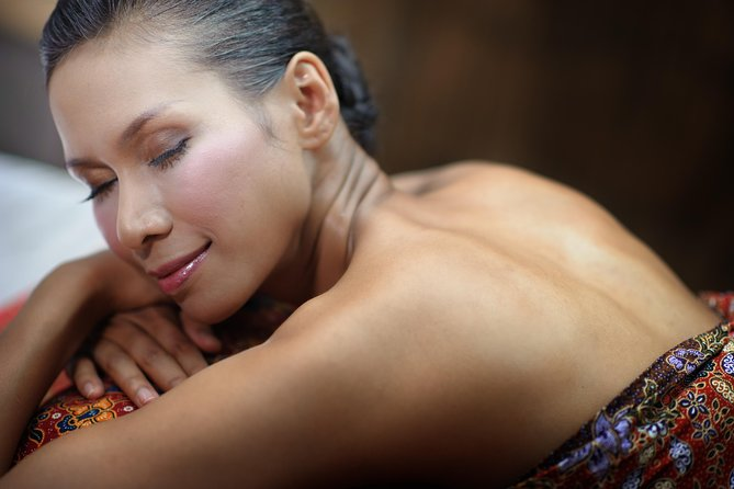 90 minute Oil Massage at award winning Fah Lanna Spa - Old City Branch