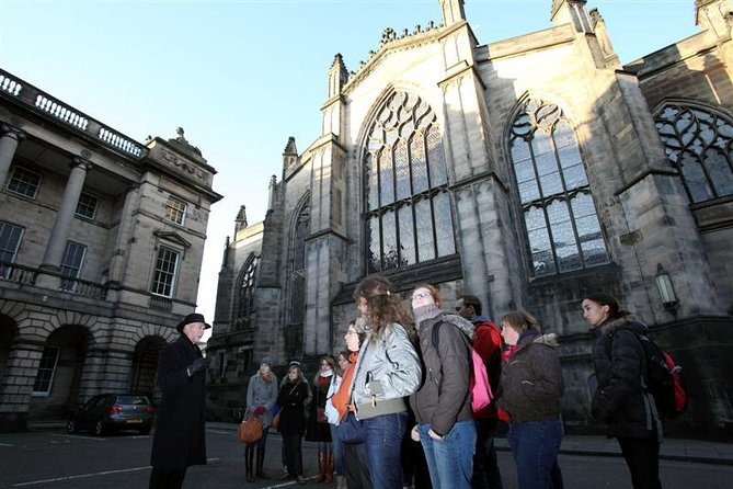 Historical Walking Tour with Optional Skip the Line Entry to Edinburgh Castle photo 3
