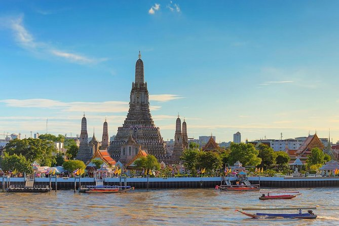 Private halfday Three Temple Bangkok City tour(Wat Traimit + Wat Pho + Wat Arun)