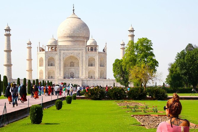 Taj Mahal Tour by Gatimaan Train/Rail All Inclusive