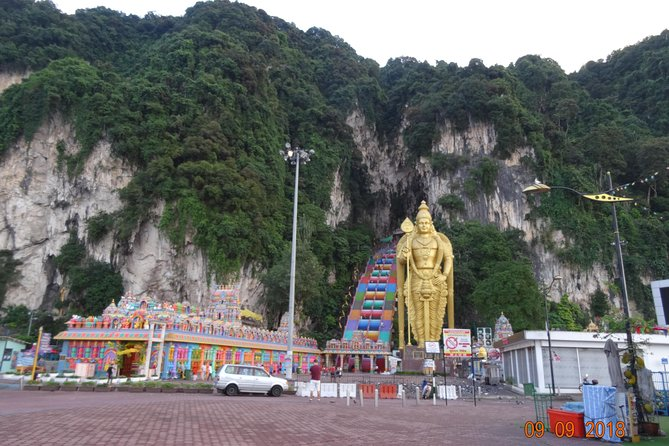 4 in 1 Day Tour Kuala Lumpur City Highlights Batu Caves Little India Chinatown