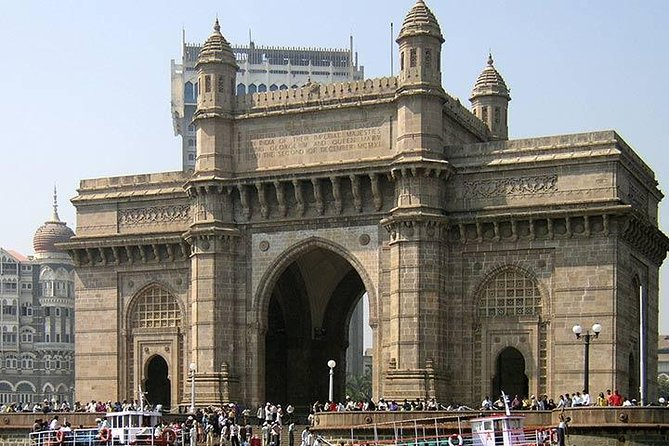 Full-Day City Tour of Mumbai visit Elephanta and Dharavi Slum