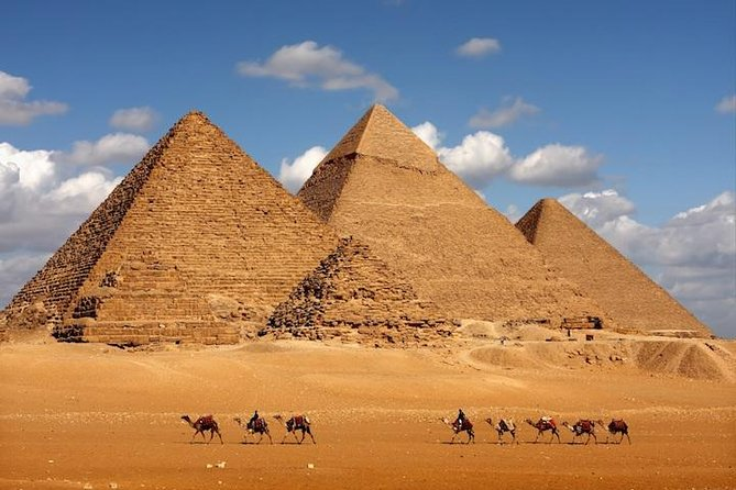 Giza Pyramids & Sphinx and Egyptian museum Full day Guided Tour photo 3