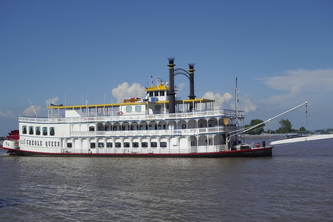 Paddlewheeler Creole Queen Historic Mississippi River Cruise