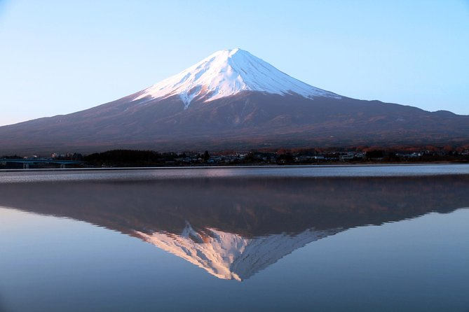 Full Day Mt Fuji Lake Kawaguchiko Tour and shopping at Gotemba Premium Outlet