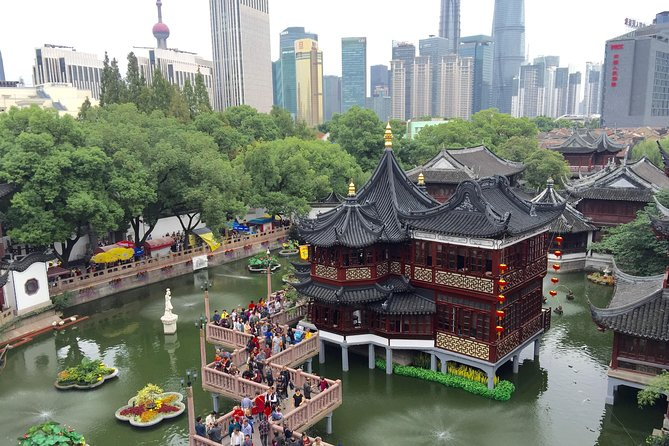 Private Shanghai City Highlight Day Tour with Maglev Ride and Lunch