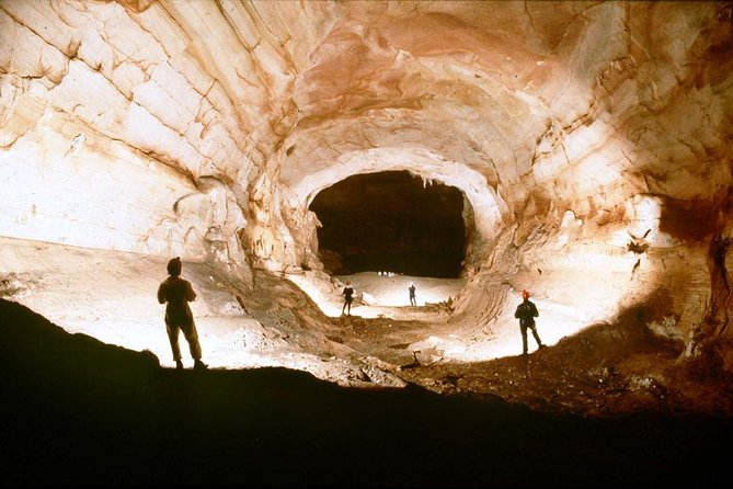 Small Group Tour : Dark Cave And Paradise Cave 1 Day