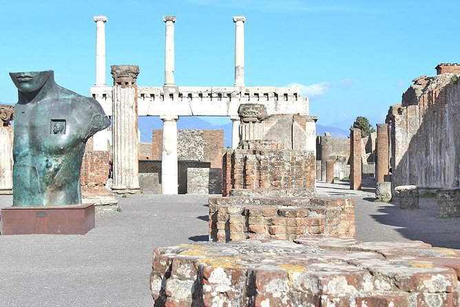 Skip-the-line Small Group Guided Walking Tour of Ancient Pompeii Highlights