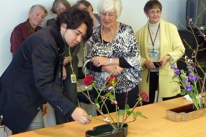 Tokyo Ikebana, Japanese Traditional Flower Arrangement Experience