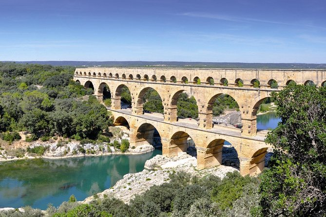Nimes, Uzes & Pont du Gard Small Group Half-Day Tour from Avignon