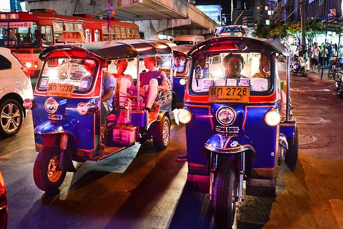 Bangkok Night Lights: Temple & City Tour by Tuk Tuk