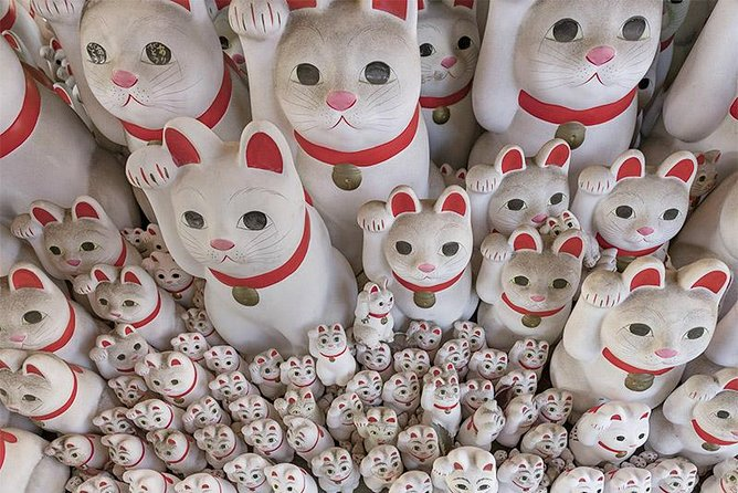 Private Tour - Thousands of Manekineko! Gotokuji Walking Tour!
