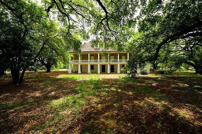 N'awlins Luxury: Single Laura, Oak Alley or Whitney Plantation Tour