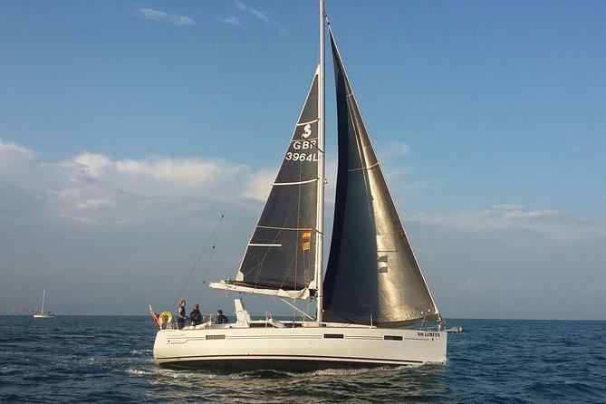 2 hour Private boat trip including professional skipper