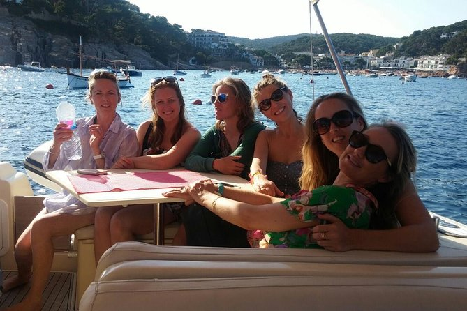 1-hour Private Speedboat Cruise from Barcelona