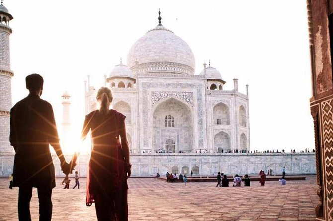 Exclusive 1 Day Tajmahal Tour Tonga Ride by Car From New Dehli