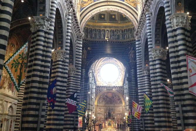2 hour tour of Magic Siena with Stella photo 3