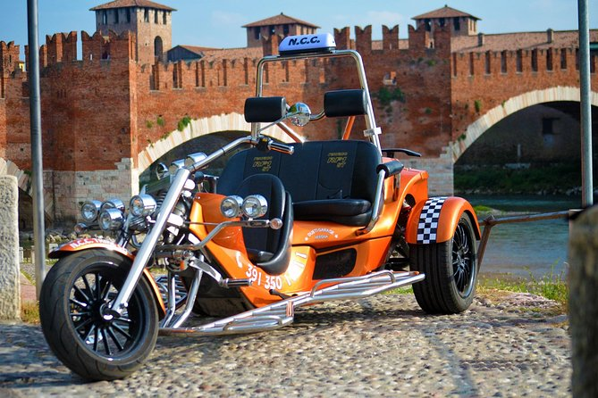 Private Transfers and Sightseeing by Trike in Verona (1 traveler + 1 person)