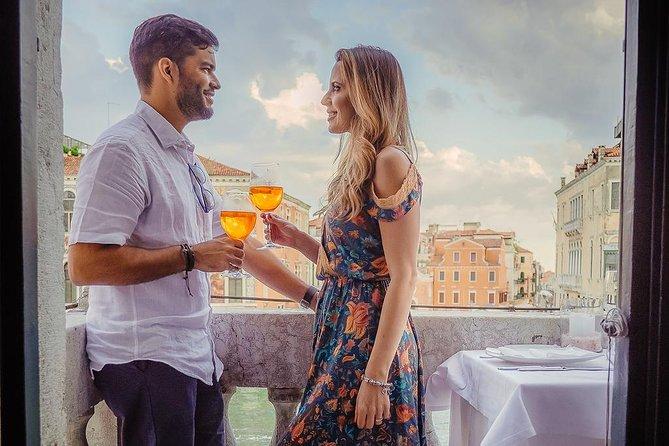 Gondelrit en aperitief in een Venetiaans paleis