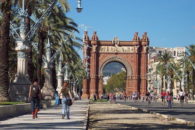 Barcelona Private Walking Tour up to 10 customers